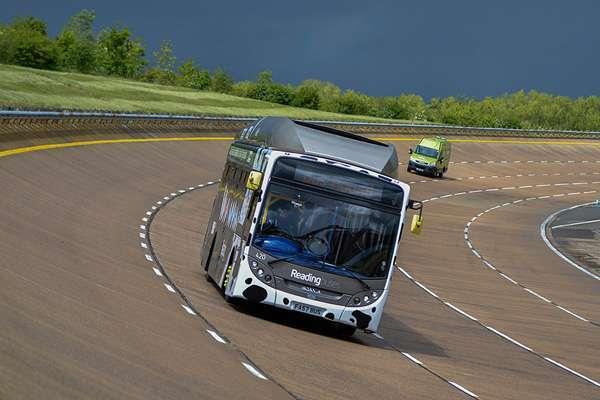 Автобус на навозе фото на петле
