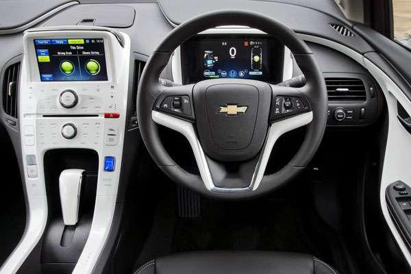 Хэтчбек Chevrolet Volt фото салона