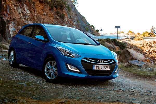 Обзор Hyundai i30 синий (фото-2)