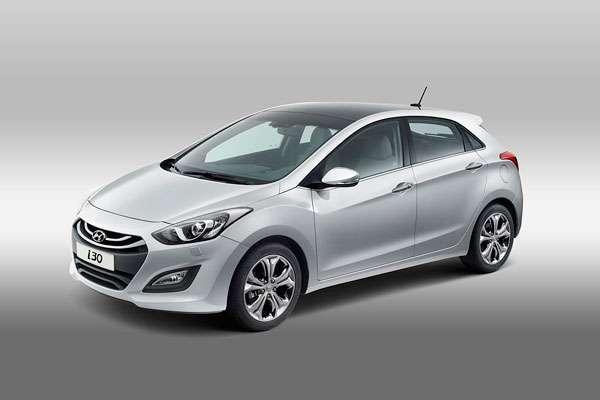 Обзор Hyundai i30 серебристый (фото-3)