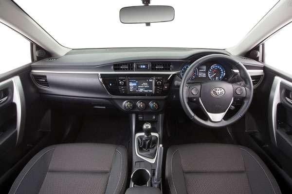 Toyota Corolla седан фото салона