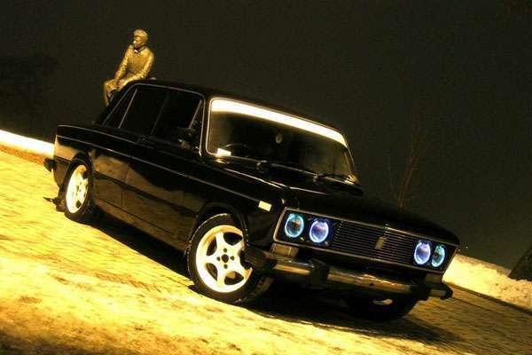 Тюнинг автомобиля ВАЗ 2106 установлены новые фары под BMW
