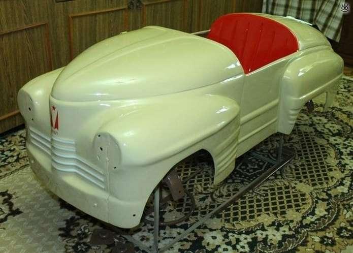 Перевтілення старого іржавого дитячого авто (18 фото)