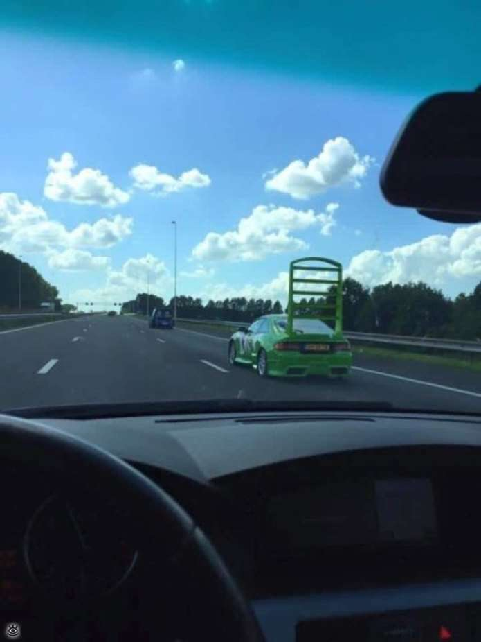 Нестандартні транспортні засоби (29 фото)